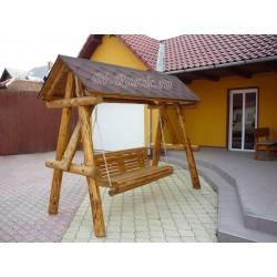 Balansoar din lemn acoperit cu tegola